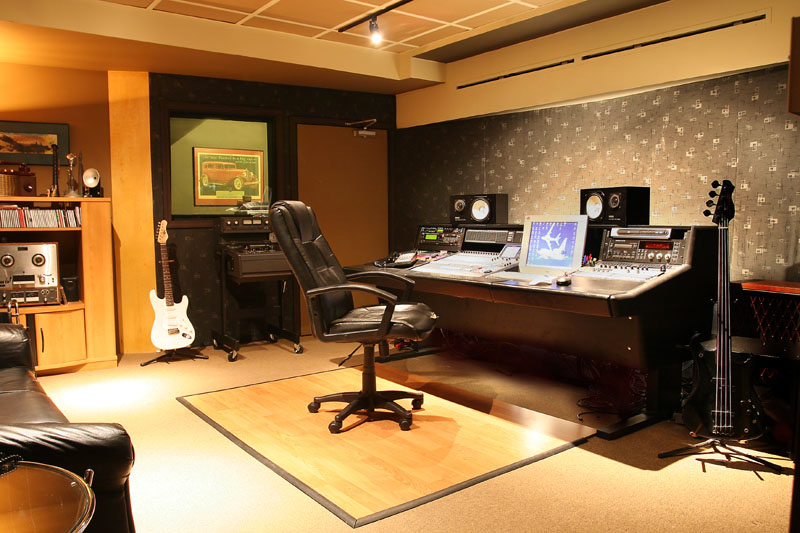 Live Sound Room Acoustic Control